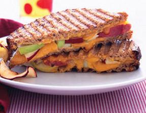 apple-cheddar panini recipe