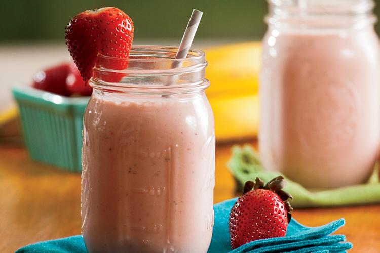 Healthy Strawberry Breakfast Smoothie Recipe