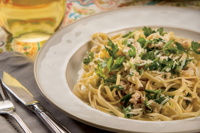 Linguini with Clams and Italian Parsley