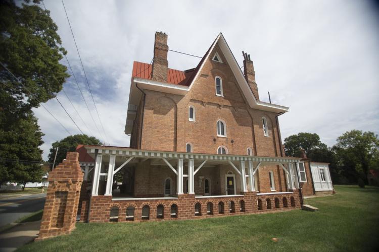 Korner's Folly in Kernersville, NC i